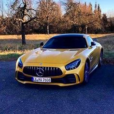 First sighting of the 'Ring King' AMG GT R in Solarbeam Yellow Metallic... Hit or miss? #MercedesAMG #GTR #Solarbeam #AMGGTR