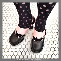 "Having a very girlie ""squee!"" moment: #fluevog #vog_zaza in @raspberryheels' custom black/pink colorway with #katespade knee-highs http://www.raspberryheels.com/shop/produkt,en,women,minis-zaza-blk-pnk.html"