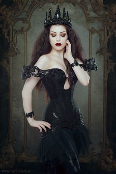 Model: Threnody In Velvet Corset dress: Royal Black Couture & Corsetry Crown: Creations by Liv Free Welcome to Gothic and Amazing |www.gothicandamazing.org