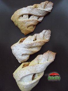 Biscuiti cu mere Biscuit, Sweets, Bread, Cookies, Food, Crack Crackers, Gummi Candy, Candy, Brot