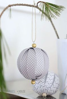 35 EASY Homemade Christmas Decorations