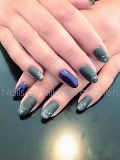 Matte glitter, gel polish on natural nails #nails #nailart #stockholm #handpaintednailart
