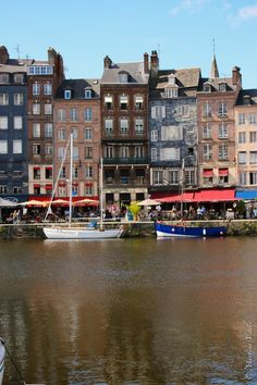 "Visitare la #Normandia..uno splendido viaggio ""on the road"". #honfleur"