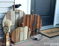 Pallet pumpkins and fall decor for front door