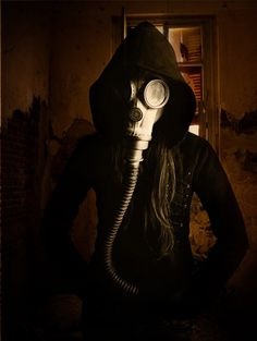 Gas Mask - Post-Apocalyptic Fashion