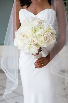 Glamorous Chicago Wedding by Ann & Kam Photography. To see more: http://www.modwedding.com/2014/09/01/glamorous-chicago-wedding-ann-kam-photography/#!prettyPhoto #wedding #weddings #wedding_bouquet