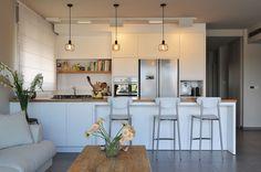 עיצוב מודרני הוא טרנד חזק בעולם המטבחים. מינימליזם, פונקציונליות וחומרים חדישים מכניסים עתידנות למטבח העכשווי. היכנסו להתרשם מהקולקציה העדכנית באתר