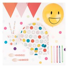 12 Happy Face Balloons Pk5 Shop The Coolest Of Faces From Our Stylish Fun Party Supplies UK With Next Day Delivery