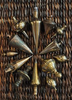 I personally find these vintage Plumb-Bobs to be quite beautiful ~ Finely crafted antique plumb-bobs Antique Woodworking Tools, Antique Tools, Old Tools, Vintage Tools, Woodworking Bench, Woodworking Projects, Collections Of Objects, Instruments, Blacksmithing