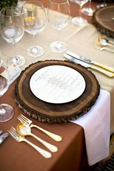 How to Glam Up Your Thanksgiving Table.  Wood Charger for Thanksgiving Table