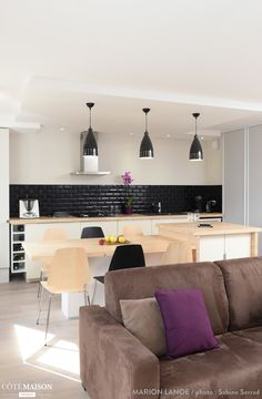 Visit the post for more. Renovation D, Condo Decorating, Piece A Vivre, Small Places, Cuisines Design, Home Decor Styles, Home Kitchens, Dream Kitchens, Home Fashion