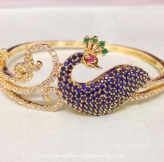 Gorgeous gold/Diamond peacock Armlet/Bajubandh to beautify you and become a center of attraction.You will feel and look like a princess and will refuse to take off your arm. Plain Gold Bangles, Gold Bangles Design, Gold Jewellery Design, Gold Jewelry, Peacock Jewelry, Gold Mangalsutra, Arm Bracelets, Vintage Costume Jewelry, Bracelet Designs