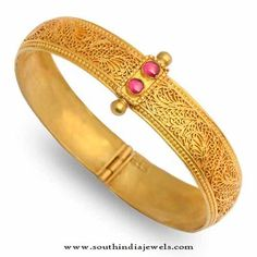 Collections of Antique Jewellery Designs. View our stunning designs of Bangles, Necklace, haram, Earrings, Bracelet and much more. Bracelets Design, Gold Bangles Design, Gold Earrings Designs, Jewellery Designs, Silver Jewellery Indian, Gold Jewelry, Diamond Jewellery, Antique Jewellery, India Jewelry