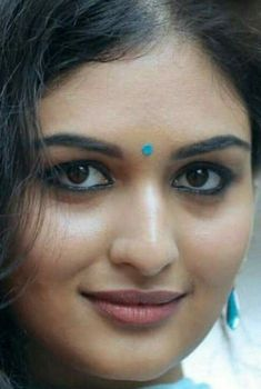 Beautiful Girl In India, Beautiful Blonde Girl, Beautiful Lips, Beautiful Women, Cute Beauty, Beauty Full Girl, Beauty Women, Indian Natural Beauty, Indian Beauty Saree