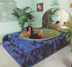 When Sex & Kitsch Collide: A Brief Compendium of Retro Tubs 70s Decor, Retro Home Decor, Vintage Decor, Kitsch Decor, Vintage Pink, Interior Architecture, Interior And Exterior, Estilo Kitsch, Retro Interior Design