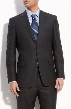 What TO wear and what NOT TO wear during interviews or when professionally networking.