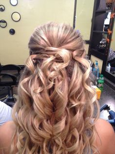 I love how they did her hair. I want this hair style for the harvest dance.<3