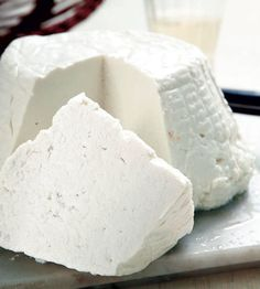 Ricotta is an Italian whey cheese made from sheep milk whey left over from the production of cheese. Russian Recipes, Italian Recipes, Ricotta, Food Bulletin Boards, Appetizer Salads, Appetizers, Artisan Cheese, No Dairy Recipes, How To Make Cheese