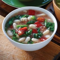 Quinoa and White Bean Chili Recipe - Clean Eating
