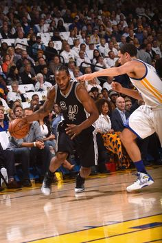 The San Antonio Spurs take down the Golden State Warriors 129-100 at the Oracle Arena. The Spurs led by Kawhi Leonard displayed total dominance over the Warriors led by Kevin Durant, and took the win in their first matchup of the 2016-17 NBA season. The runner-up of the last NBA championship, the Warriors, trailed the Spurs and could not seem to catch up.
