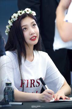 Seulgi, Red Velvet Joy, Red Velvet Irene, Korean Beauty, Asian Beauty, Korean Girl, Asian Girl, Korean Idols, Joy Rv