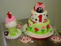 Cute bow on ladybug - and the smash cake is adorable