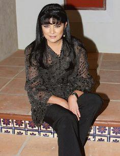 Victoria, Cesar Evora, Diva, Queen, Style, Fashion, Female Actresses, World, Mexican