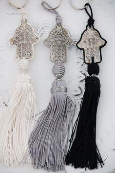 Houseplants That Filter the Air We Breathe Moroccan Hamsa Tassels - Hand Of Fatima Ethnic Chic, Boho Chic, Bohemian, Moroccan Design, Moroccan Style, Hand Der Fatima, Morrocan Decor, Ethno Style, Passementerie
