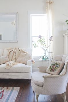 Vintage Whites Blog: Home Tours