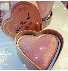 I'm loving this Too Faced bronzer!!