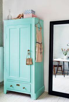 Aqua cupboard