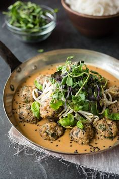 Gourmet Mushroom Recipes – Healthy Dishes for the Whole Family - Typical Miracle Healthy Asian Recipes, Healthy Dishes, Gourmet Recipes, Meat Recipes, Good Food, Yummy Food, Daily Meals, Mushroom Recipes, Vegetable Dishes