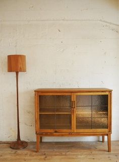teak shade and cabinet Mod Furniture, Home Decor Furniture, Industrial Furniture, Vintage Furniture, Diy Home Decor, Furniture Design, Interior Design Layout, Japanese Interior, Home And Deco