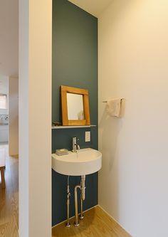 工房のある家・間取り(東京都杉並区)   注文住宅なら建築設計事務所 フリーダムアーキテクツデザイン Modern Sink, Japanese House, Washroom, Amazing Bathrooms, Hand Washing, Hostel, Powder Room, Home Projects, Toilet