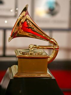 List of Important awards and their fields in India Dream Job, Dream Life, It Goes Like This, Trophy Design, Music Aesthetic, Famous Singers, Music Awards, Band