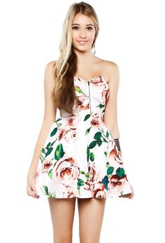 I love florals, and I love big, bold prints. This is my usual go to kind of dress- sweetheart, strapless, and floral. I'd like to step away from the usual, but here's somewhere to start.
