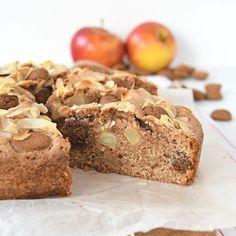 Perfect voor Sinterklaas: de appel-speculaas amandelcake. Het is een eenvoudig recept dat binnen 15 minuten in de oven staat.