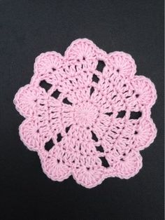 Pretty coaster. Nice variation. Free crochet pattern.
