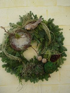 ~ Green Wreath w/ Bird, Birdnest & Eggs ~Could use this with a grapevine or burlap wreath.