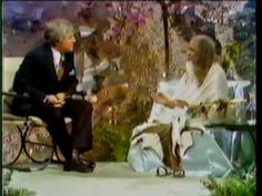 The Merv Griffin Show host's Maharishi Mahesh Yogi in 1975