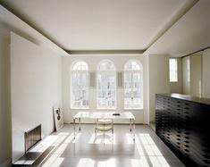 shahid-reading room kjaerholm chair