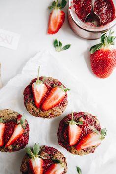 Plant Based, Panna Cotta, Strawberry, Treats, Fruit, Ethnic Recipes, Food, Sweet Like Candy, Dulce De Leche