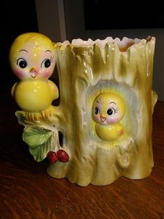 Anthropomorphic~ yellow birds planter