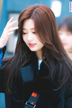 K-Pop Babe Pics – Photos of every single female singer in Korean Pop Music (K-Pop) Yuri, Rapper, Japanese Girl Group, Kim Min, Female Singers, Her Smile, Single Women, The Wiz, Kpop Girls