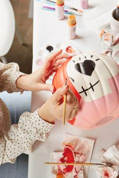 Our no-carve pumpkin painting tips come with lots of design inspo, styling hints, and helpful pro-tips from Hallmark artists. Pumpkin Canvas Painting, Pumpkin Painting Party, Pumpkin Drawing, Pumpkin Art, Pumpkin Carvings, Pumpkin Ideas, Scary Halloween Pumpkins, Whimsical Halloween, Fun Halloween Crafts