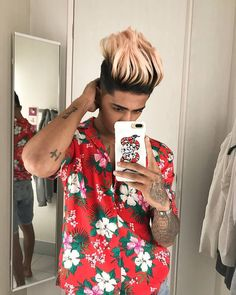 Finally Samsung was announced Samsung Galaxy S on March with powerful display, size, battery, memory, camera etc. Danish Girl, Danish Men, Danish Style, Portrait Photography Men, Photography Poses For Men, Urban Photography, Stylish Girls Photos, Girl Photos, Salman Khan