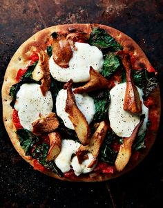 chantrelle mushrooms kale pizza
