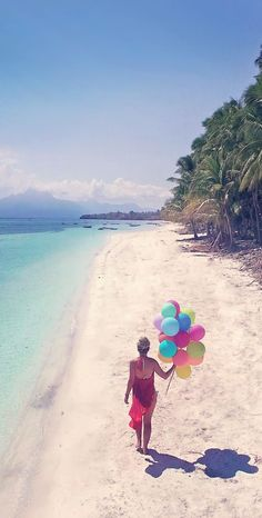 Best Travel Jobs | 50 Ways To Make Money While Traveling The World | You want to work and travel? Pack your bags! Here is the most extensive list of the best traveling jobs in the world | via @Just1WayTicket | balloons