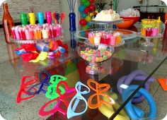 Resultado de imagem para sorvete self service como fazer em festa de aniversario na piscina?