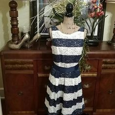 ❤HP 5/29!💞  NWOT Signature Lace Sleeveless Dress Never worn. Needs a new home. Go ahead and show it off! 34 inches from top to bottom. signature Dresses